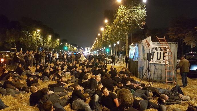 Farmers demonstrate in Paris