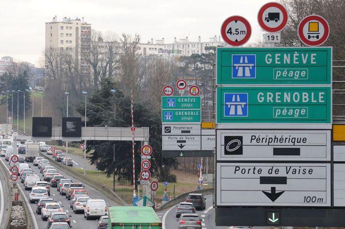 road signs, panneaux